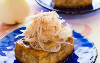 新玉ねぎの豆腐ステーキ